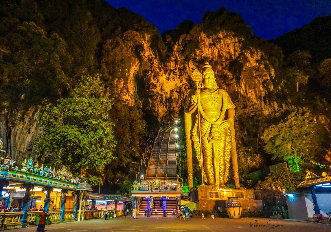 Batu-Caves-at-night